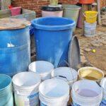 Escasez de agua se agudiza, Gobierno recurre a tandeos y no a soluciones